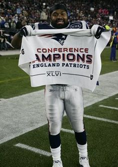 Jerod Mayo celebrates the New England Patriots win!!  Get your Patriots game day tees and fleece here:  http://www.junkfoodclothing.com/webapp/wcs/stores/servlet/Category5_10052_10051_-1_20109_20074_20074_