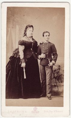 Isabel II y Alfonso XII Royal Queen, King Queen, Angel Clouds, Queen Victoria Family, Spanish Royalty, Spanish Royal Family, Isabel Ii, Grand Duke, European History