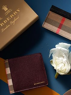 Gift-wrapped and customised with an embossed monogram, our collection of Burberry wallets makes a thoughtful gift.