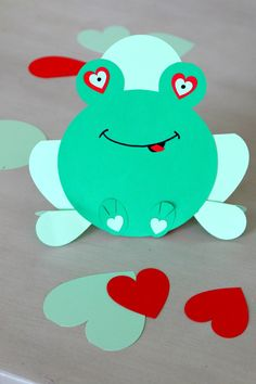 Hopping into your Heart Valentines Frog Hopping into your Heart Valentines Frog Ylva W yllebylle Barn pyssel Hopping Into your Heart Valentines Frog with free nbsp hellip crafts silhouette Valentines Day Border, Valentines Art, Valentines Day Hearts, Valentine Day Love, Valentine Activities, Valentine Crafts For Kids, Winter Crafts For Kids, Holiday Crafts, Origami Frog