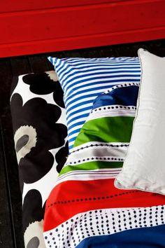 Inka, Tasaraita and Unikko bed linen Marimekko Bedding, Gray Gardens, E Textiles, Red Bedding, Nordic Interior, Cozy Cottage, Bed Styling, Pattern Mixing, Mixing Prints