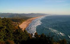 Pictured here is the beautiful beach located in Lincoln City, OR. A true photographers paradise! Oregon Trail, Oregon Coast, Crater Lake National Park, National Parks, Pacific Northwest, Beautiful Beaches, Lincoln, Photographers, Paradise