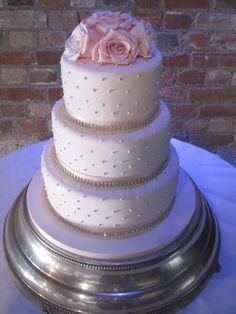 Contemporary Wedding Cakes – 2.