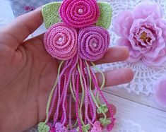 New flowers 🌹 I really like crochet roses with hanging branches so I made a new pattern.Crochet design Patterns by HappyCrochetByVitaSweet Heart Crochet Patterns for Valentine's Day or Any Day! Overview of Crochet So You Can Comprehend Patterns - Bouquet Crochet, Crochet Brooch, Crochet Motifs, Crochet Flower Patterns, Freeform Crochet, Crochet Designs, Crochet Trim, Crochet Ideas, Crochet Baby