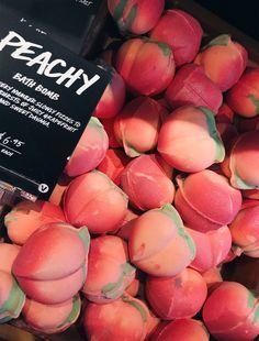 VSCO - relatablemoods Peachy bath bomb - Lush - VSCO – relatablemoods Peachy bath bomb – Lush Informations About VSCO – relatablemoods Peachy - Beauty Care, Beauty Skin, Beauty Hacks, Beauty Tips, Beauty Products, Avon Products, Lush Aesthetic, Summer Aesthetic, Lush Bath Bombs