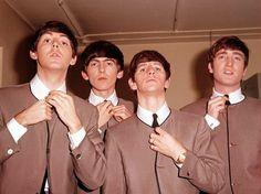 http://pescaralovesfashion.com/wp-content/uploads/2013/10/Collarless-Beatles.jpg