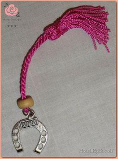 Χριστουγεννιάτικο Γούρι 2014, (δική μας σύνθεση). Christmas Charm 2014 (***Hotel Rodovoli) Charmed, Personalized Items, Bracelets, Gifts, Shopping, Jewelry, Bangle Bracelets, Presents, Jewellery Making