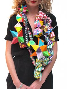 Bloody gorgeous necklace (thought it's more a prop than jewellery) by Fred Butler again pat of her wall for Creative Creative Sarah (Supermarket Sarah) Geometric Fashion, 3d Fashion, Weird Fashion, Paper Jewelry, Textile Jewelry, Jewelry Art, Paper Clothes, Body Adornment, Recycled Fashion