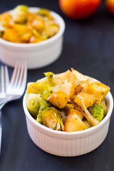 Maple Roasted Brussels Sprouts, Onions and Apples is a sweet and salty dish that brings out the amazing flavour of soft caramelised brussels spouts, onions and apples. #vegan #thanksgiving #brusselssprouts
