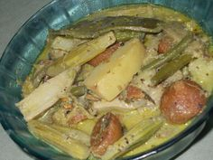 Sukto is a traditional Bengali dish. Without this typical Bengali menu is just incomplete. Bengali Veg Recipes, Bengali Food, Indian Food Recipes, Bangla Recipe, Thai Chicken Recipes, Long Bean, Raw Banana, Clarified Butter, Sliced Potatoes
