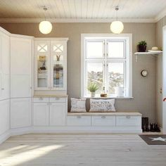 Mudroom With Bench Under Window - New ideas Küchen Design, Interior Design, Window Seat Kitchen, Living Room Tv Unit Designs, Built In Desk, Home Room Design, New Living Room, House Rooms, Mudroom