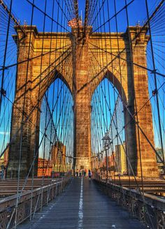 Em NY, um passeio imperdível: a Brooklyn Bridge - Atravessar a pé, na hora do pôr-do-sol.