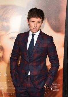 Eddie Redmayne is Dashing in Plaid Gucci Suit for The Danish Girl Premiere