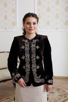 Abaya Fashion, Vogue Fashion, Fashion 2020, Girl Fashion, Fashion Dresses, Abaya Style, Baby Frocks Designs, Fairy Clothes, Frock Design
