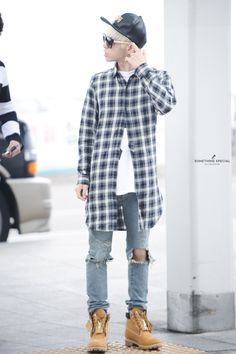 Never ever really been my style but I kind of want to invest in some Timberlands They look kind of fly with just about everything (Otherwise I love this entire outfit anyway, really into oversized flannels)