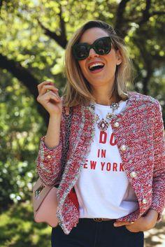Hoy os enseño este look casual con chaqueta de tweed por el que tanto me preguntasteis! Toda la info de las prendas en el blog! http://www.myshowroomblog.es/looks/fin-de-semana/look-casual-con-chaqueta-de-tweed/