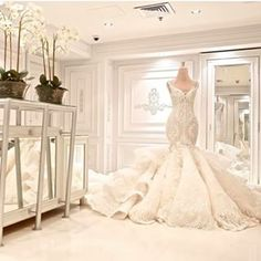 The FashionBrides is the largest online directory dedicated to bridal designers and wedding gowns. Find the gown you always dreamed for a fairy tale wedding. Gorgeous Wedding Dress, Stunning Dresses, Dream Wedding Dresses, Beautiful Gowns, Bridal Dresses, Wedding Gowns, Bridesmaid Dresses, Wedding Rings, Baby Model