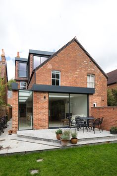 House renovation with kitchen extension and loft conversion in Oxford House Extension Design, Glass Extension, Roof Extension, House Design, Extension Ideas, Side Return Extension, Dormer Loft Conversion, Loft Dormer, Loft Conversions