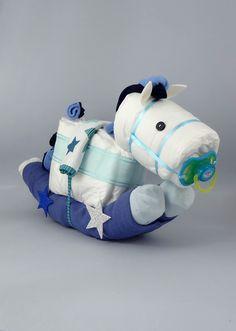 Maravilloso pequeño pony de pañales, amor y mucho cariño. Impresionante si quieres sorprender a los padres del bebé. Tamaño de pañales talla 2