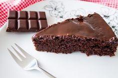 Porno-Kuchen (Saftiger Schokoladenkuchen) - mit Kirschen ergänzt wird er nicht zu süß