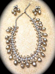 Excellent Vintage Pearl and Rhinestone by JNPVintageJewelry