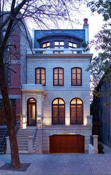 Homes for Sale in Old Town Chicago - Real Estate in Old Town Chicago Old Town Chicago, Style At Home, Townhouse Exterior, Townhouse Designs, Narrow House, Facade House, Classic House, Exterior Design, Future House