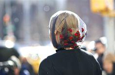 An Unknown Quantity | New York Fashion Street Style Blog by Wataru Bob Shimosato | ニューヨークストリートスナップ: #346 Flowers NYFW