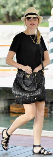 Who made Naomi Watts  sunglasses and black quilted handbag that she wore in  Venice  2ac9987c34