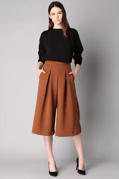 77 Minimalist Style Clothing for Summers That You Must See – Outfit Casual Work Outfits, Work Casual, Square Pants Outfit Casual, Square Pants Ootd, Formal Outfits, Dress Formal, Smart Casual, Work Fashion, Fashion Outfits