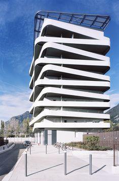 Logements quai de la Graille | Grenoble, France | ECDM Architectes | photo by Benoit Fougeirol