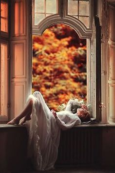 Ana Rosa~My Favorites✨ Surrealism Photography, Art Photography, Concept Photography, Creative Photography, Fashion Photography, Through The Window, Autumn Leaves, Fairy Tales, Gifs
