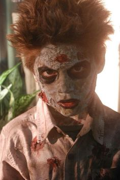 Zombie look easy costume stage blood and used coffee grinds ground diy zombie costume solutioingenieria Images
