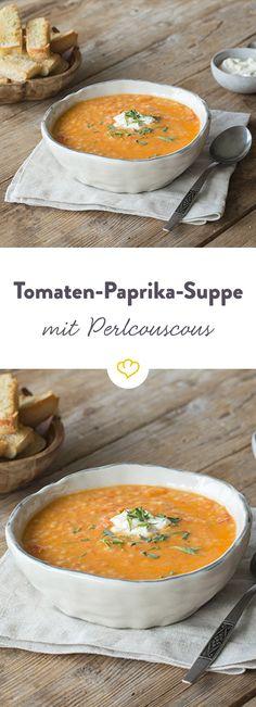 Rot und rot gesellt sich gern - zumindest in dieser sämig-aromatischen Suppe mit Tomaten und Paprika. Extralecker und extrasatt dank Perlcouscous.