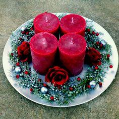 Velký+svícen+na+talíři+s+vínovými+svícemi+Luxusní+rustikálníadventní,+ale+i+celoroční+svícenna+slavnostní+stůl+-+rustikální+ojíněné+svíčky+v+odstínu+vínové,+dozdobenéjalovcem+s+bobulkami,vánočními+kouličkami,+vínovými+růžičkami+a+bobulemi+namatnémmetalickém+talíři,+který+lakovaný+matným+starostříbrným+vintage+lakem.+Průměr+talíře+33+cm.... Panna Cotta, Ethnic Recipes, Food, Dulce De Leche, Essen, Meals, Yemek, Eten