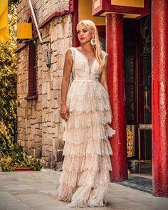 Wholesale, production of wedding dresses, bridal gowns. Lace Beach Wedding Dress, Open Back Wedding Dress, Wedding Dress Shopping, Tulle Wedding, Bridal Lace, Wedding Dress Styles, Bridal Dresses, Wedding Gowns, Hippie Dresses
