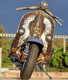 Steampunk Vespa Guardian_2