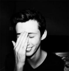 Troye Sivan << aw how cute! I swear I really need a gay friend like Troye literally I would love that!