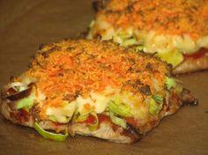Plastry schabu zapiekane z porem i marchewką Easy Chicken Recipes, Pork Recipes, Snack Recipes, Cooking Recipes, Healthy Recipes, Healthy Dishes, Healthy Eating, Food Design, I Love Food