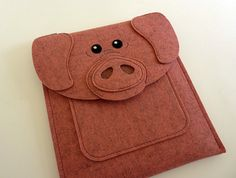 This pig case case fits the iPad with Retina display (4th generation), the New iPad (3rd generation), iPad 2 and iPad Air 1, 2. It is made with 100%