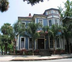 vacation rentals to book online direct from owner in . Vacation rentals available for short and long term stay on Vrbo. Vacation Home Rentals, Vacation Rental Sites, Best Vacations, Vacation Spots, Vacation Ideas, Visit Savannah, Savannah Georgia, Savannah Chat, Rental Apartments