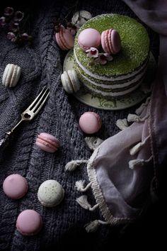 El bizcocho genovés con té matcha es una receta sencilla y rápida de hacer que dará a muchas de tus recetas un punto exótico y muy original. ¿Aún no te has animado a incorporarlo en tus recetas? Matcha, Green Tea Recipes, Sponge Cake, Confectionery, No Bake Desserts, Food Photography, Favors, Snacks, Layer Cakes