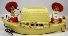 LOT-2-ORIENTAL-VINTAGE-TV-LAMPS-YELLOW-BOAT-BLACK-BOAT..