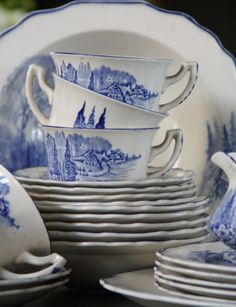 Blue and white china Blue And White China, Blue China, Love Blue, Delft, Chinoiserie, Blue Dishes, White Dishes, Art Chinois, Diy Accessoires