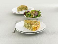 Spinat-Lachs-Kuchen ist ein Rezept mit frischen Zutaten aus der Kategorie Blattgemüse. Probieren Sie dieses und weitere Rezepte von EAT SMARTER!