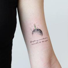 STUDIOBYSOL_vane (vane_tattoo_) • Instagram Posts, Videos & Stories #picoji • The Little Prince - 정말 작은 어린왕자와 달 그리고 책 속 인상깊었던 문장을 새겨드렸습니다 :) - - - - - - - #가장중요한건눈에보이지않아 #어린왕자타투 #thelittleprince #명언타투 | Picoji Creative Tattoos, Unique Tattoos, Beautiful Tattoos, Small Tattoos, Cool Tattoos, Bts Tattoos, Time Tattoos, Body Art Tattoos, Sleeve Tattoos