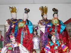 Vintage Korean Prince Hodong and Princess Nakrang Dolls by Chung Hwa Tang