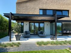 Outdoor Pergola, Gazebo, Outdoor Decor, Roof Terrace Design, Landscaping Las Vegas, Thatched Roof, Pergola Designs, Garden Inspiration, Outdoor Living