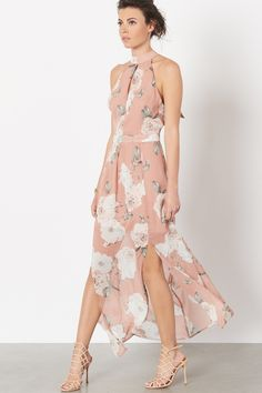 This dress will accompany you to every wedding this summer.