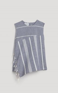 Great use of fabrics - Chart Top Rachel Comey, Simple Tunic, Athletic Tank Tops, Tunic Pattern, Turkish Towels, Border Print, Stripe Top, Refashion, Get Dressed