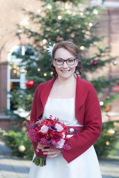 Weihnachtliche Winterhochzeit in Rot und Gold | Hochzeitsblog The Little Wedding Corner